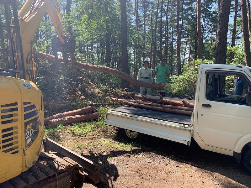 市民の森関連財産区 区民への間伐材の配布